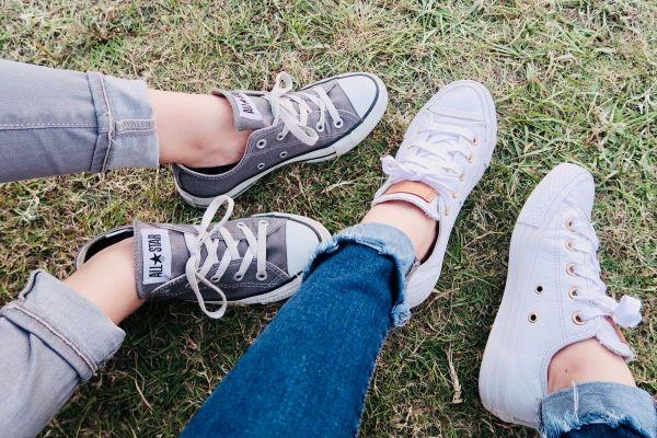 Modes zīmoli apavi